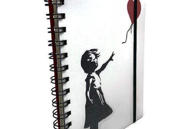 Caderno Banksy Menina Balão