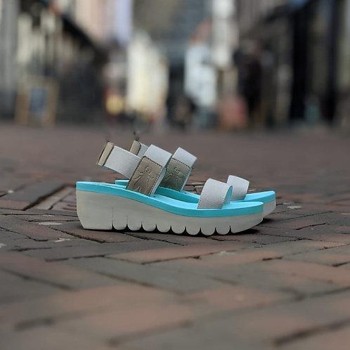 fly london: yaci in cloud & mint