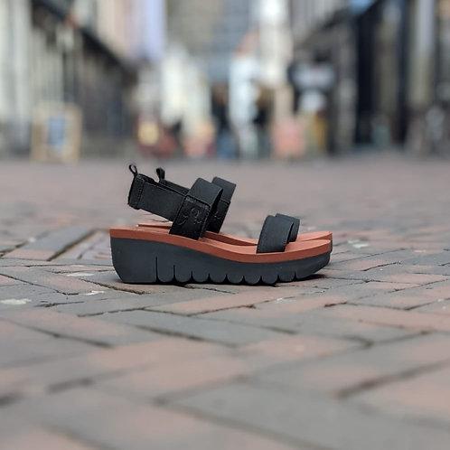 fly london: yaci in black & brick