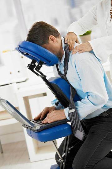 Le massage sur chaise : des bienfaits pour l'individu et pour l'entreprise!