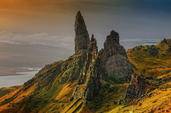 The old Man of Storr - Isle of Skye. Image by Frank Winkler from Pixabay