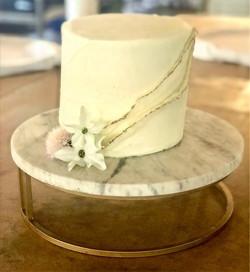 Darun's Minimalist Ribbon Cake