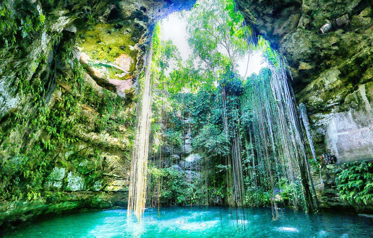 Cenotes_R_Maya_01.jpeg