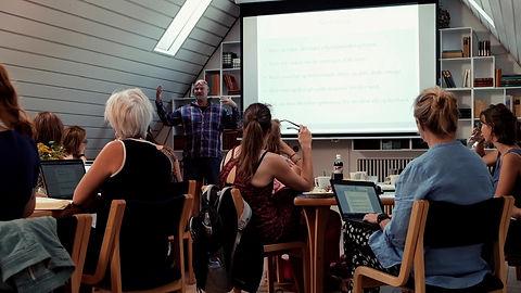 Undervisningen på et af vores skønlitterære skrivekurser i formidling og kreative tekster