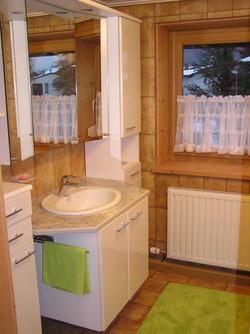 Badezimmer m. Waschbecken