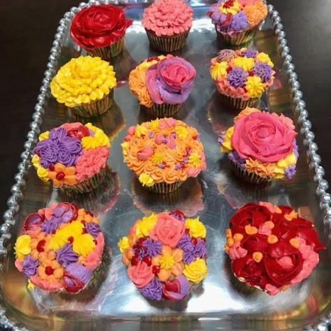 Flower cupcakes 2.jpg