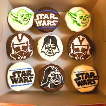 Star wars themed cupcakes.j