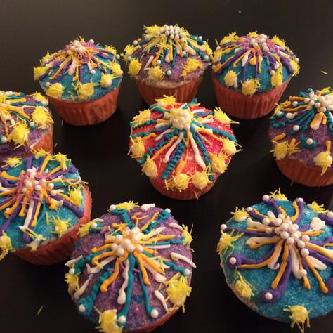 fireworks cupcake.JPG