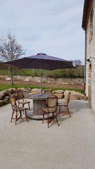 """terrasse gîte le Bordage en Vendée """"la Grange"""" proche Puy du Fou"""