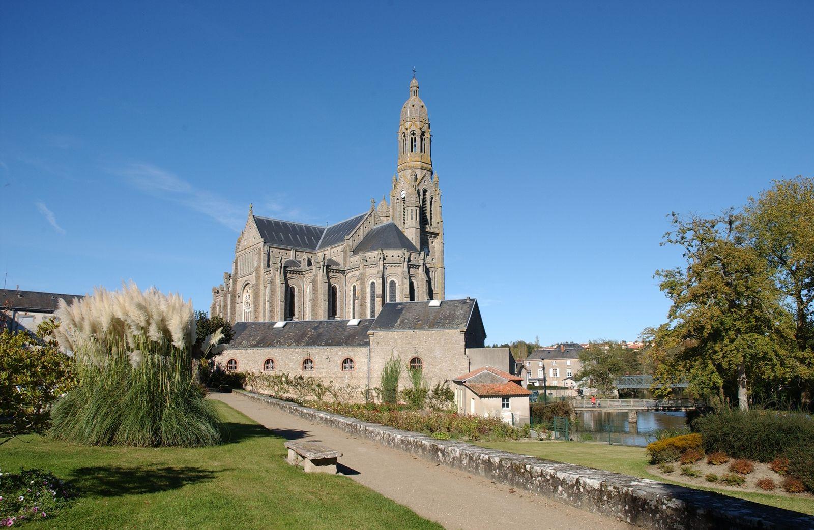 la basilique de St Laurent Sur Sèvre