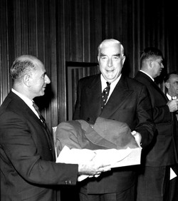 Henry Cohen with Bob Menzies