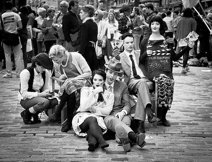 street-performers-870127_edited.jpg