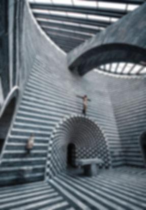 église-tessin-rayures-architecture.jpg