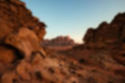 Wadi-Rum-levé-du-jour-canyon.jpg