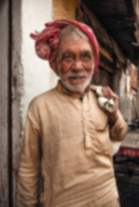 Indien-albinos-turban-rouge.jpg