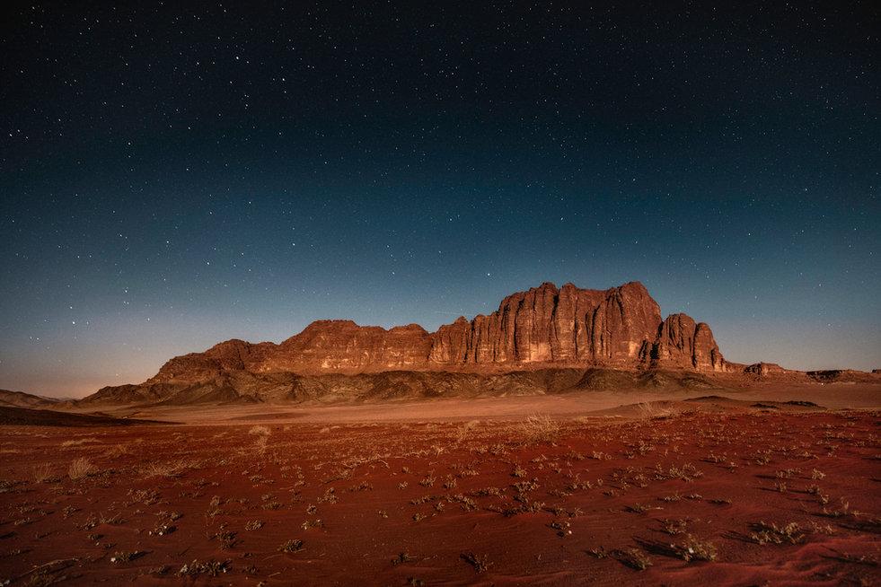 Wadi-Rum-montagnes-style-dolomites-de-nu