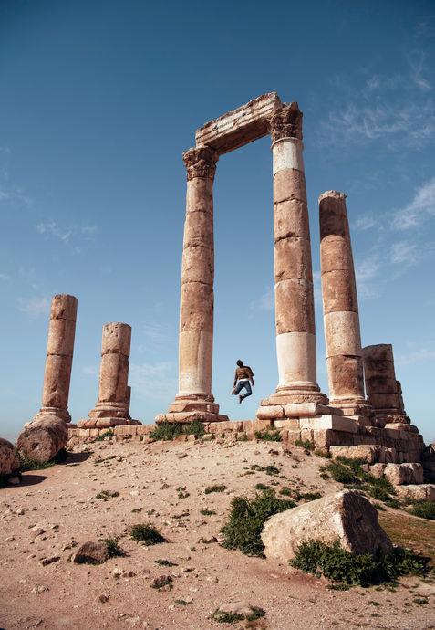 Fabio-saut-en-l'air-colonne-grecque-Jord