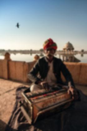 Indien-mini-piano-temple-sur-l'eau.jpg