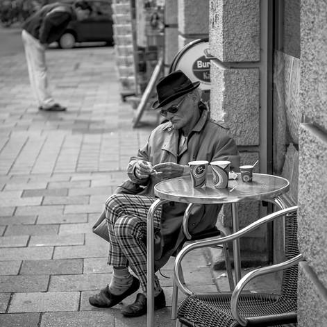 Kaffee und Zigarette