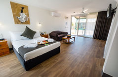 Self contained Cottage in the Leprechaun Resort. Best accommodation in Darwin. Hotels in Darwin