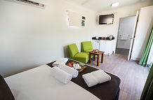 Cheap and spacious Darwin hotel accommodation. Book your next holiday with us at the Leprechaun. Self contained cabin in Darwin. Cheap home away from home in the Leprechaun Resort. Hotels in Darwin