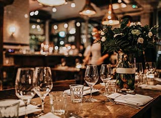 The 6 Best Types of Venues for Hosting a Holiday Party