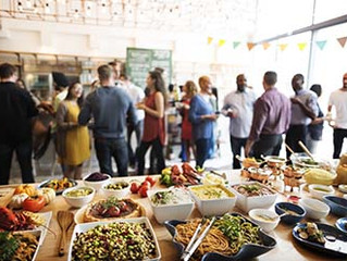 8 Questions to Ask a Catering Company When You Need Catering for a Company Christmas Party