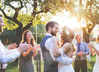4 Reasons Your Guests Will Love a Catered Wedding Reception