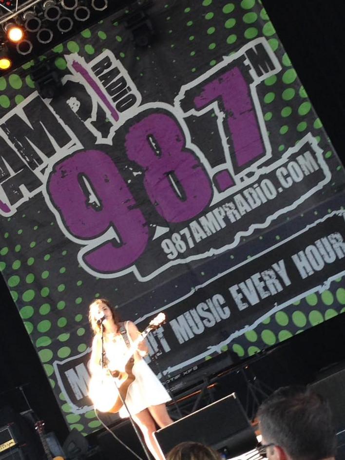 98.7 amp.jpg