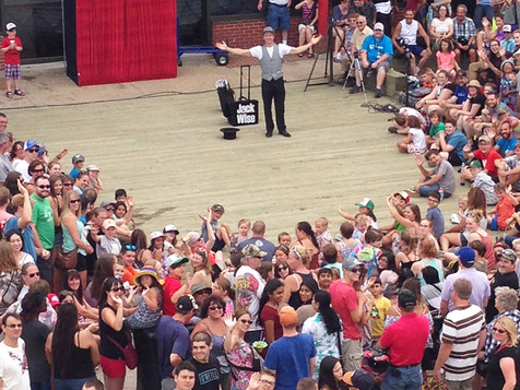 Mindreading & Magic tricks for a great festival audience.