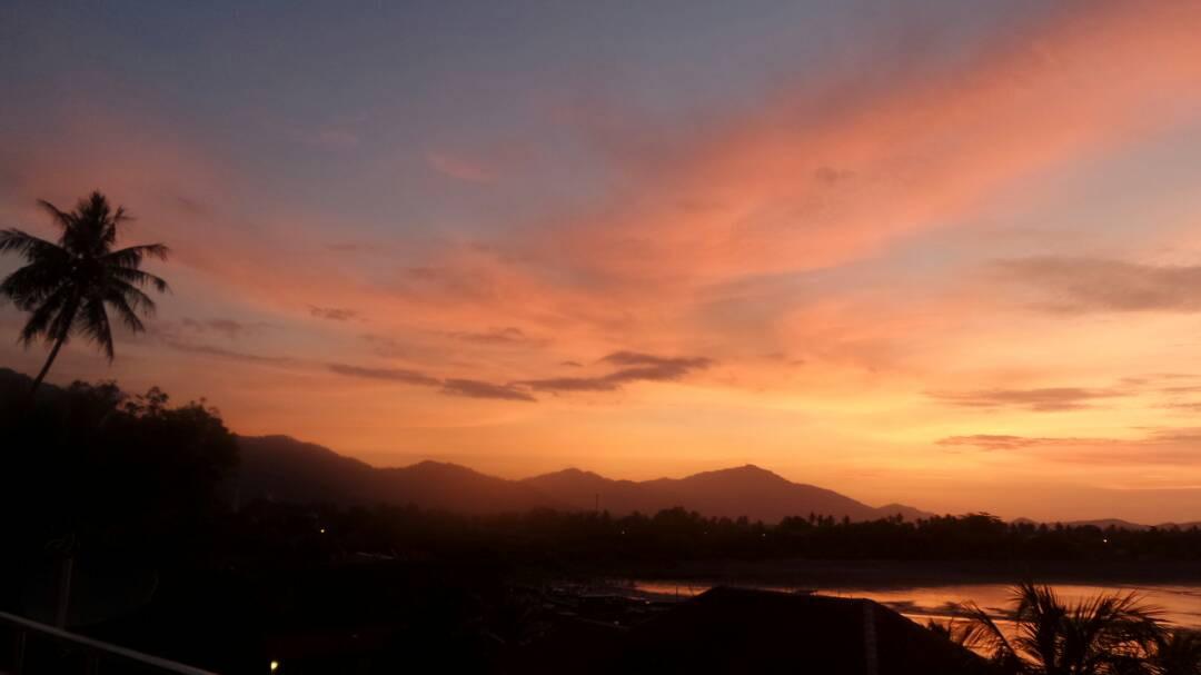 Sunrise over Kuala Teriang Bay