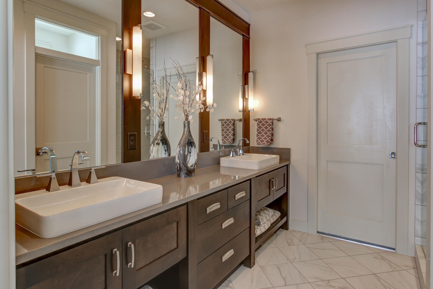 5287 Scenic View Drive SW-large-029-47-Master Bath-1500x1000-72dpi