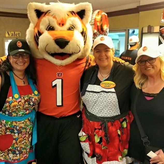 Amy, Eva, Jen and random Tiger