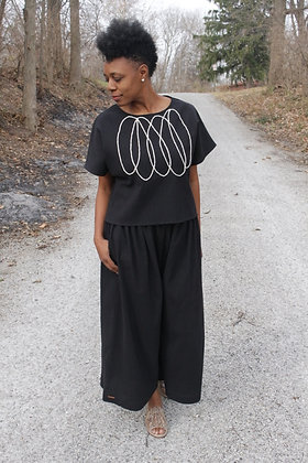 BLACK CRINKLE COTTON INFINITY LOOP TOP