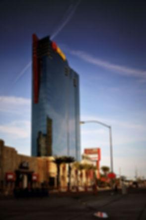 800px-PH_Towers_Westgate_Las_Vegas_in_2010.jpg