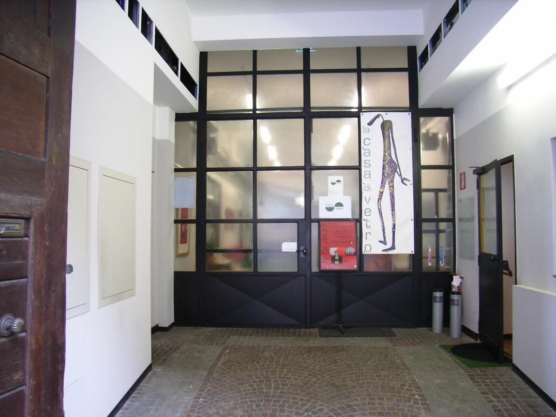 l'ingresso de la Casa di Vetro