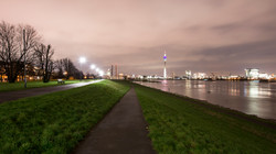 Dusseldorf (D) – lungoreno notturno