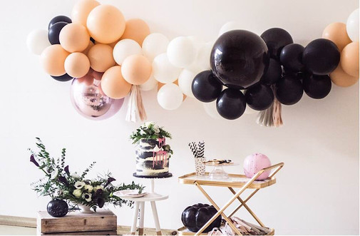 balloon arch for halloween party