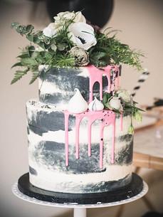 monochrome black and white modern cake display