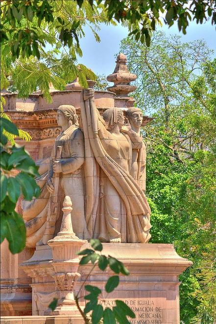 Monumento a la Bandera ubicado en el Centro Historico de Iguala
