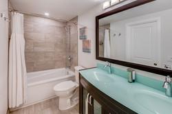 Jasmine Bathroom 2