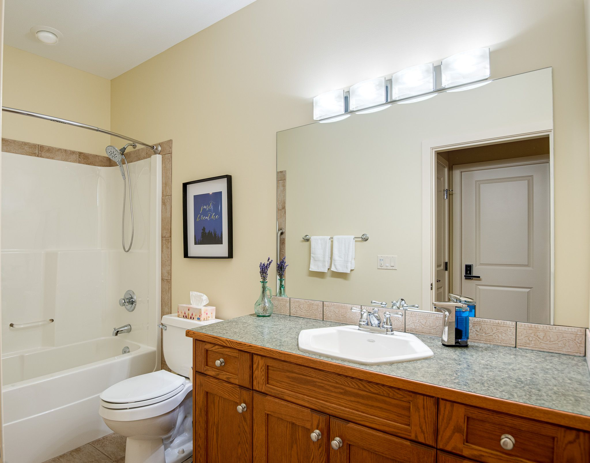 Wolfberry Room Private Bathroom