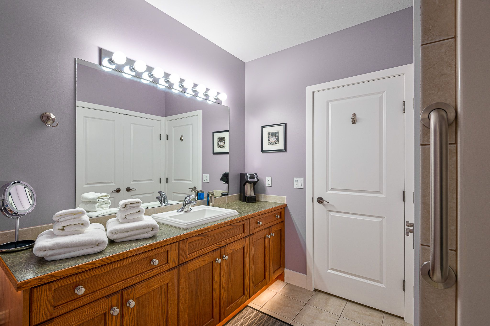 Lavender Room Private Bathroom at Adela's B&B