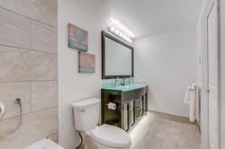 Jasmine Bathroom 1