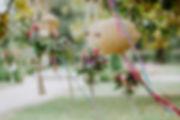 Jolis petits bouquets rose et violet en suspension