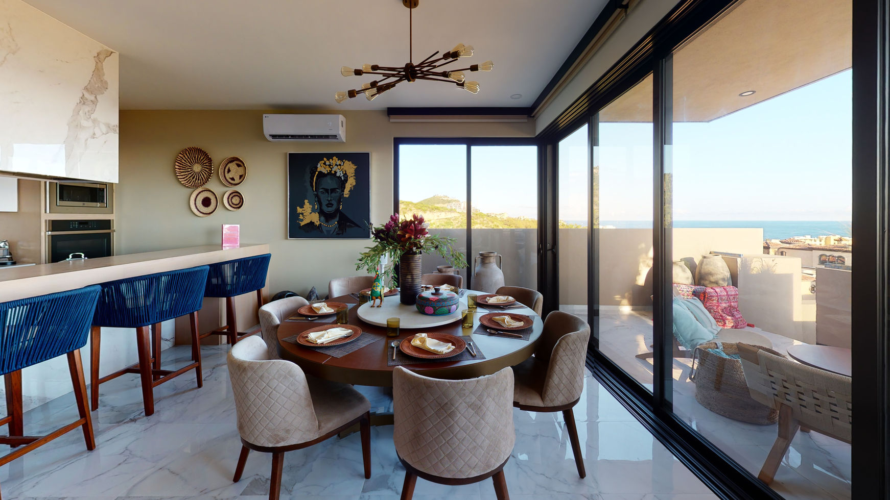 Pacific-Bay-Dining-Room.jpg