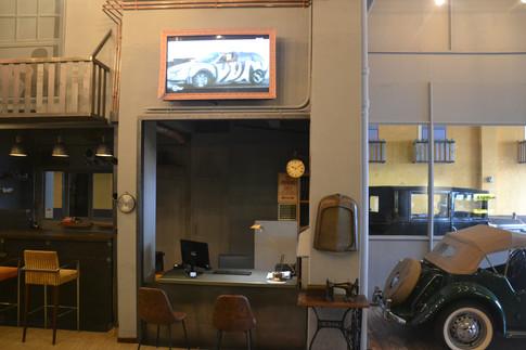 motors corner tv