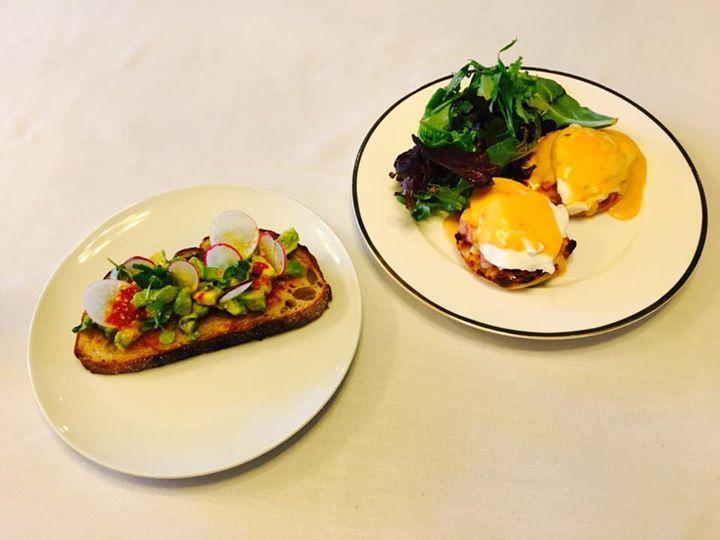 Avocado Toast/Benedict Poached Eggs