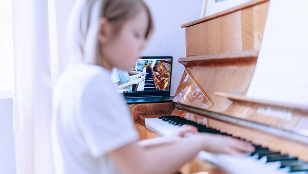 Online piano lessons Scotland UK