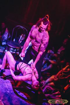 ©2019  Performer: Glenn Vasaturo @glennvasaturo, Joy Fully @lovelivingart  Photography:  Kenny Rodriguez @kennyrodz
